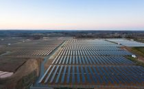 苹果太阳能数据中心进展顺利 存税负减免争议