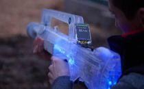 玩具枪装上激光标记和显示屏 CS终于来到现实