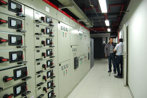 ups配电室保障机房内部的电力供应.