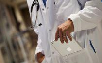 """巨头介入互联网医疗:下个""""打车App""""市场?"""