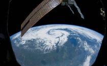 如果云计算的能耗过高,试试把服务器搬到太空去如何?