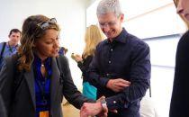 疑虑重重Facebook仍未推出苹果手表客户端