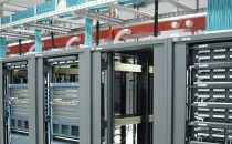 如何降低数据中心设计与维护的风险?