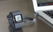Fitbit Surge推出更新 续航时间延长一倍