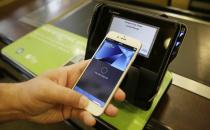 手机厂商来袭 密集抢食移动支付