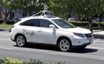 谷歌无人驾驶汽车撞了公交车 但也学会了避让行人