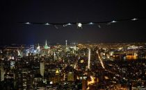 这架太阳能动力飞机已到达纽约 即将跨越大西洋
