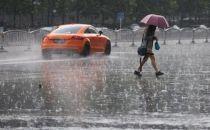 北京商业的雨中大考 外卖网约车加价仍供不应求