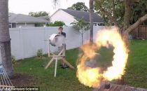 """业余爱好者创建可向空中发射火环的""""涡炮"""""""