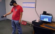 VR控制的机械臂,未来或可用于手术、拆弹