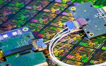 铜线缆时日无多 计算机数据传输将用上光纤