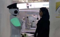 迪拜警方用机器人招员工 求应聘者心理阴影面积