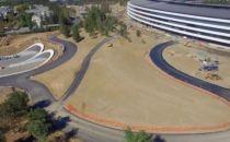 苹果总部最新无人机视频已经开始修路和绿化工作了