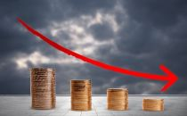 比特币大跌10% 币值跌破1.7万美元