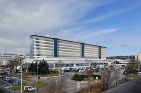 坐落希思园区的威尔士大学医院