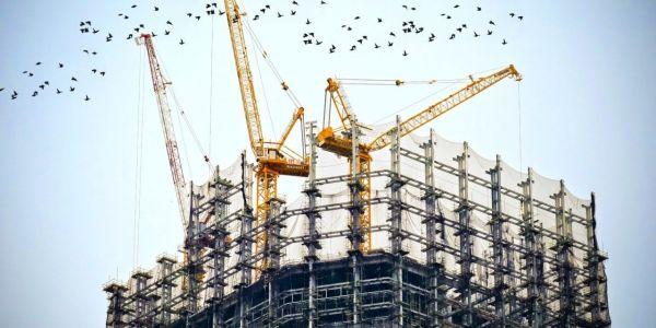 构建与购买:为什么托管数据中心是成本最低的选择