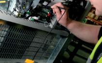 如何维护UPS以避免数据中心业务中断?