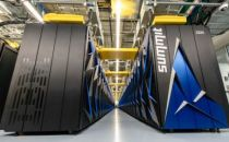 美国打造出世界上最快超级计算机 峰值速度几乎是神威两倍