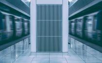 变频冷机在超低负载下如何安全又节能运行?