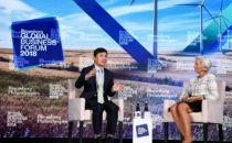 李彦宏:AI将帮助人类而非取代人类
