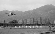 浙江首个5G智慧农业上线 机器人巡田无人机喷洒