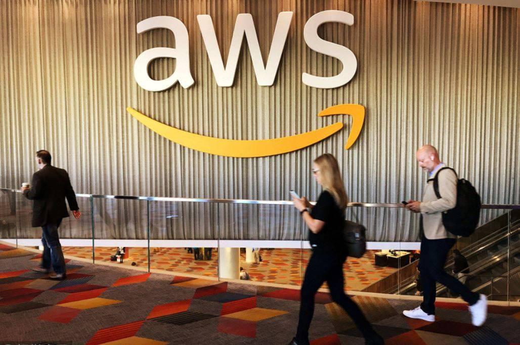 亚马逊 AWS