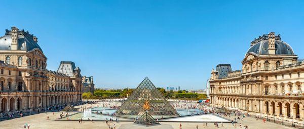 摄图网_501593858_wx_法国巴黎卢浮宫全景金字塔入口(企业商用)